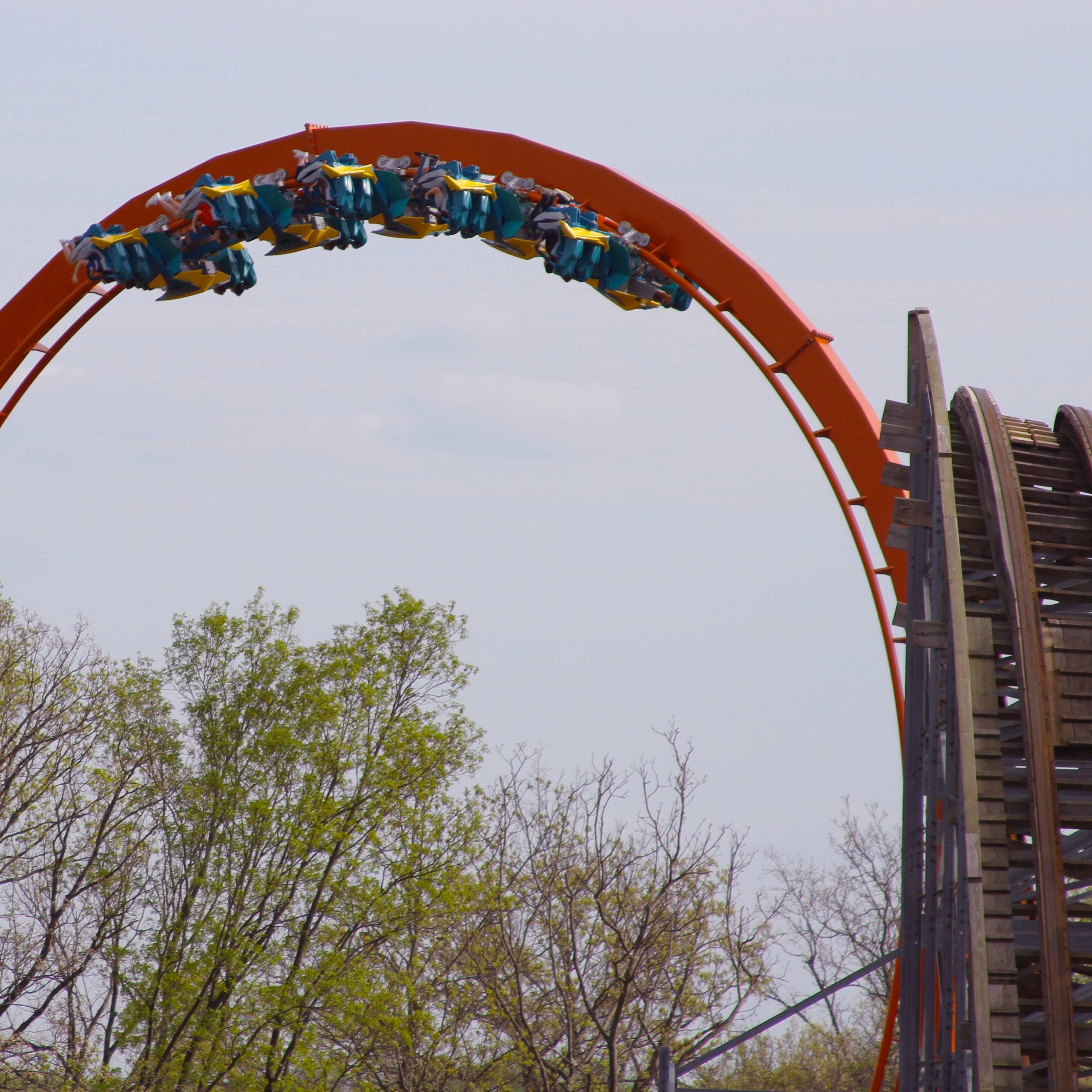 Thunderbird - Vertical Loop and Voyage Hill | Holiday World & Splashin' Safari