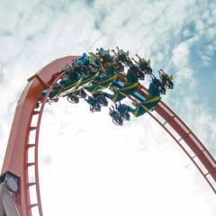 Thunderbird-Upside-Down-in-Vertical-Loop
