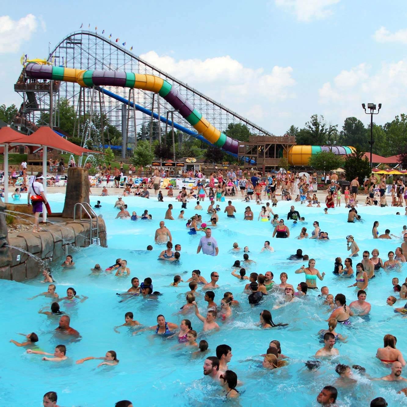 Bahari wave pool holiday world splashin safari photos gumiabroncs Image collections