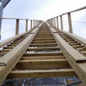 Voyage construction - lift hill