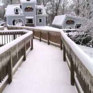 Snowy Raven station