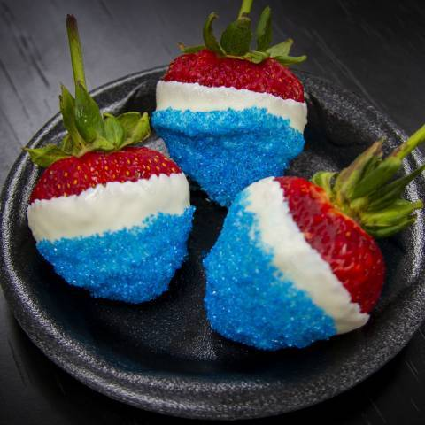 4th of July Red White Blue Strawberries