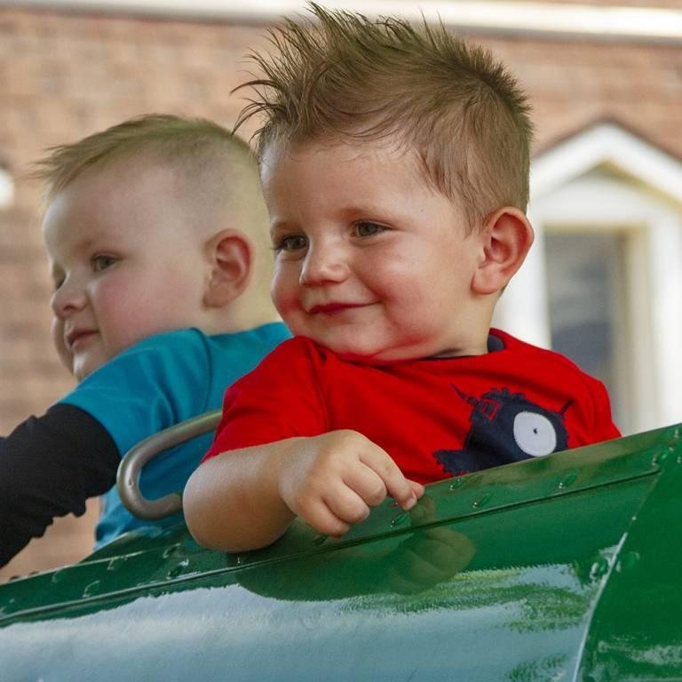 Comet's Rockets Children's Ride