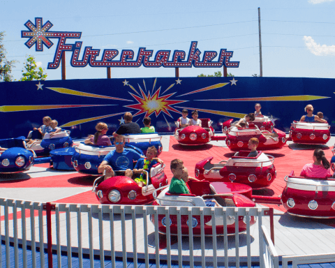 Firecracker | Holiday World & Splashin' Safari