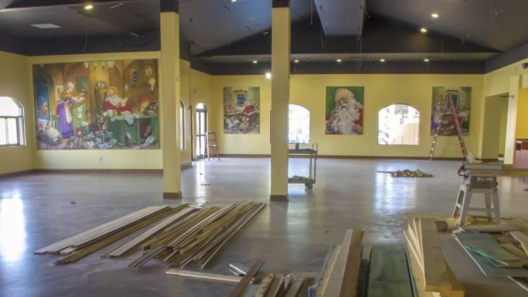 Santa murals