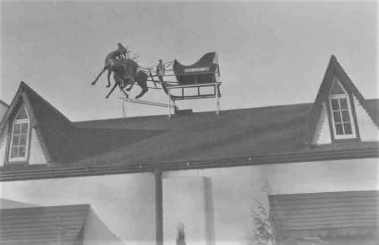 Santa Jim's rooftop sleigh