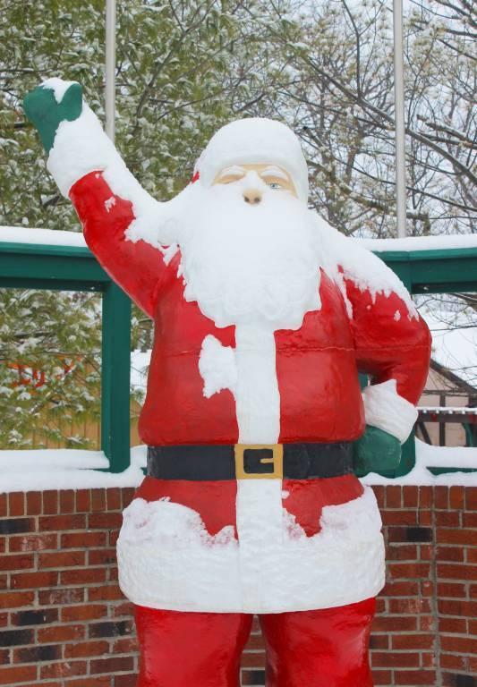 Snowy Santa Statue
